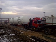 Heavy transport of oversized gas and oil tanks in Bulgaria